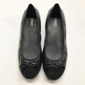 VIONIC Black Cap Toe Minna Leather Ballet Flats